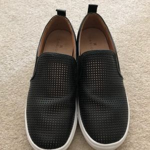 Caslon Black Leather Mesh Slip On Shoes